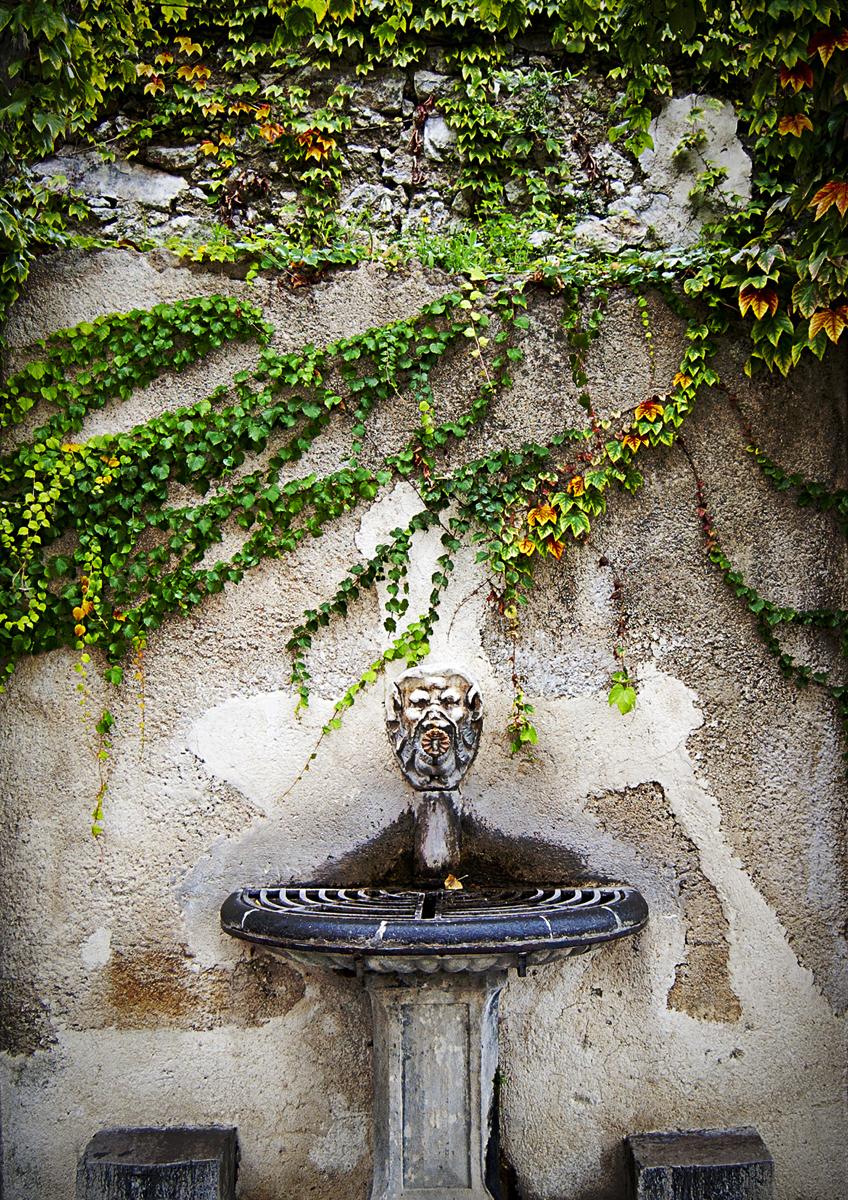 Ravelo Fountain (large view)