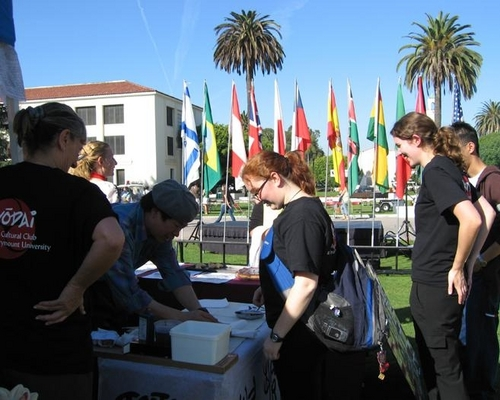 Demonstrating Chinese calligraphy at the International Education Week in Loyola Marymount university,Los Angeles,CA (2005) (large view)