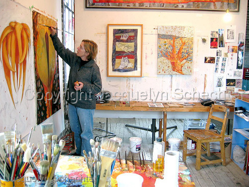 Morag painting in her studio (large view)