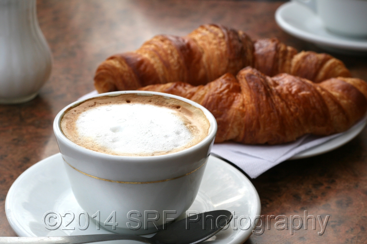 Cappuccino & Croissant (large view)