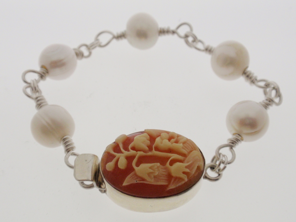 "BR-42 Bracelet, Silver and Cameo Clasp, 8"" (large view)"