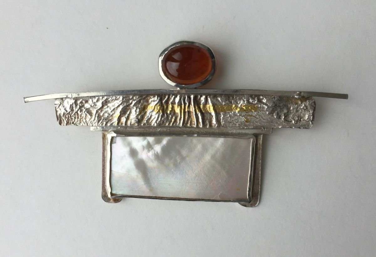 MP - 31 Hessonite Garnet, Mother of Pearl, Silver (large view)