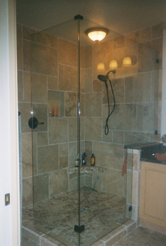 Marble shower with seat in shower. (large view)