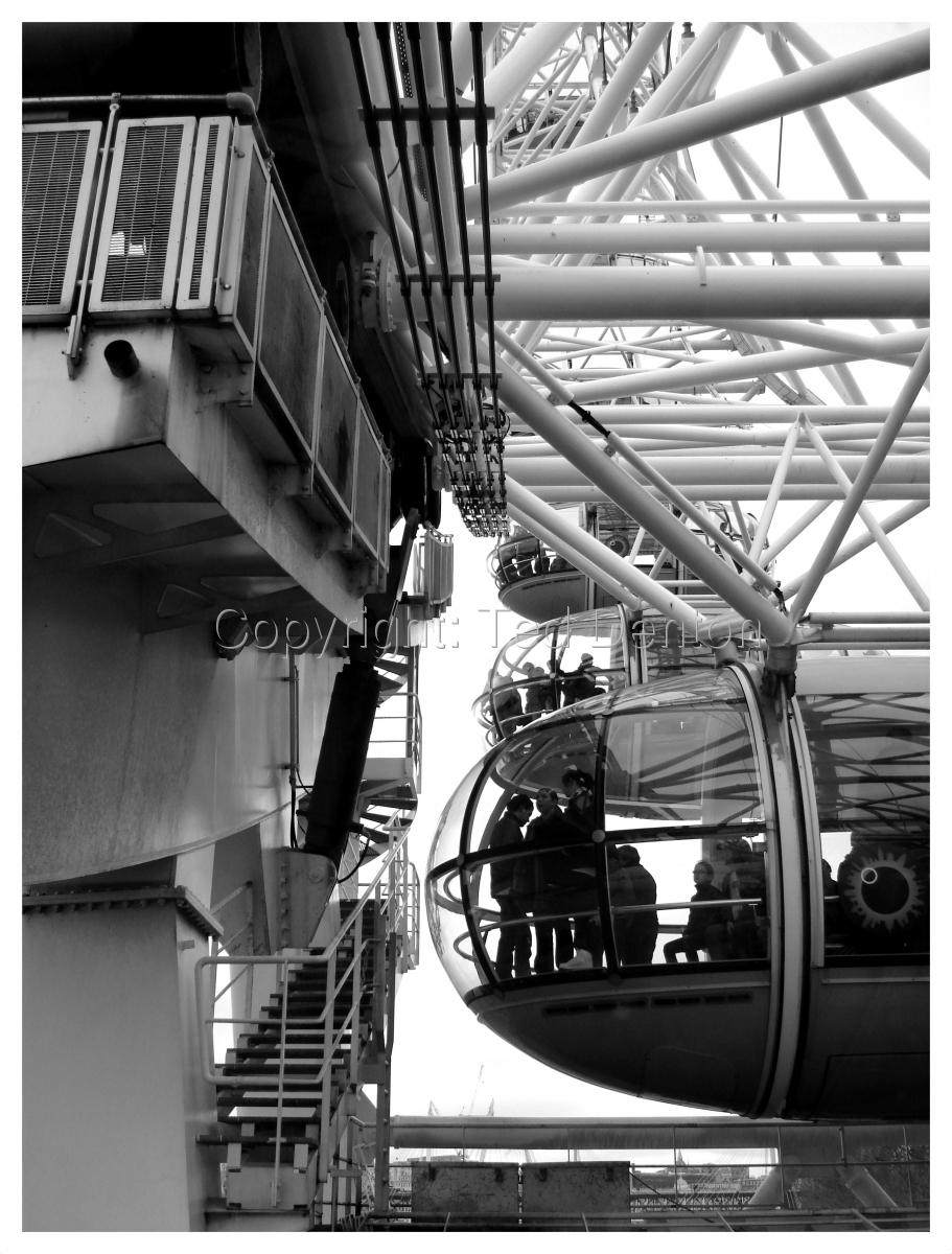 black & white photography, London Eye, London, England (large view)