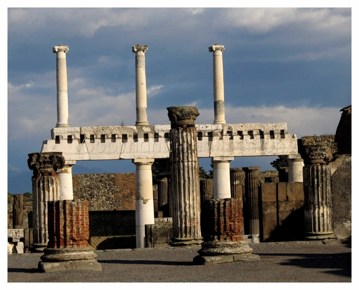 Color Photograph, Pompeii, Italy, columns (large view)