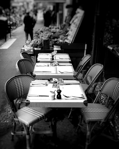 Paris Table to dine