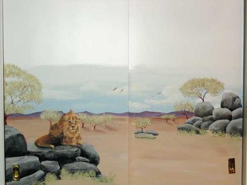 Lion on Closet  Door (large view)