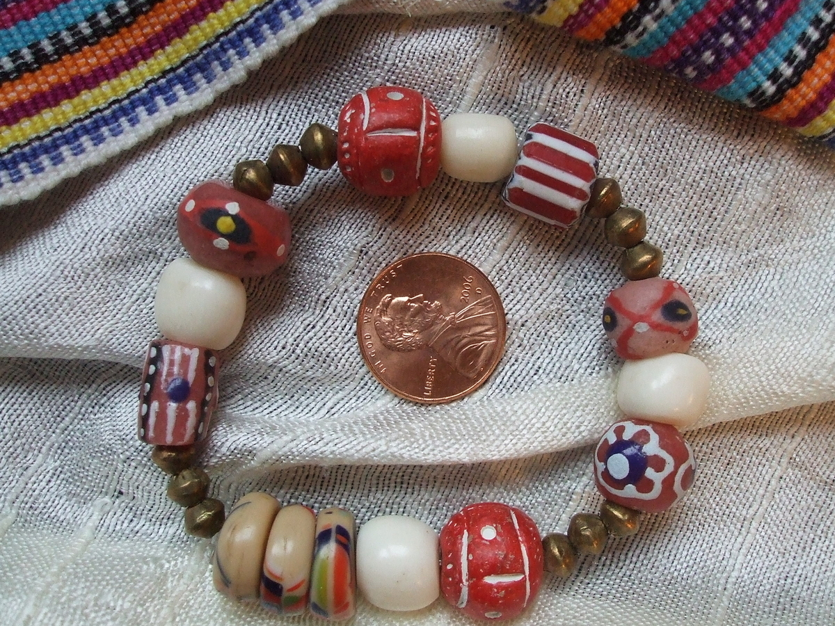 #89 Red African Bead Bracelet (large view)