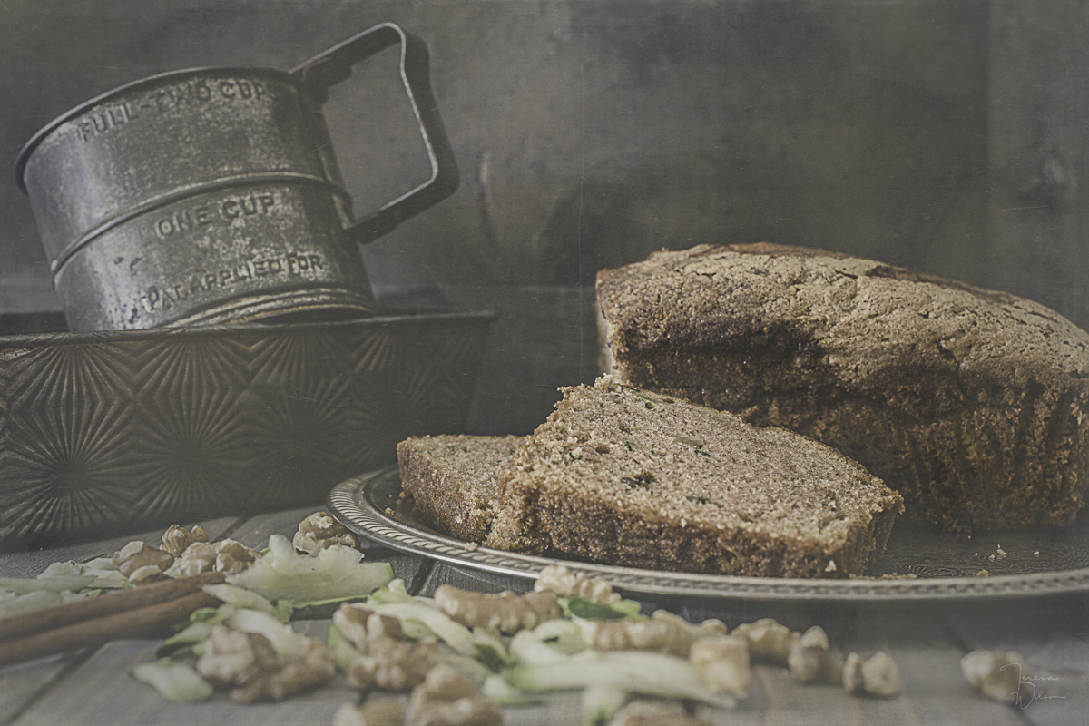 Fresh Baked Zucchini Bread (large view)