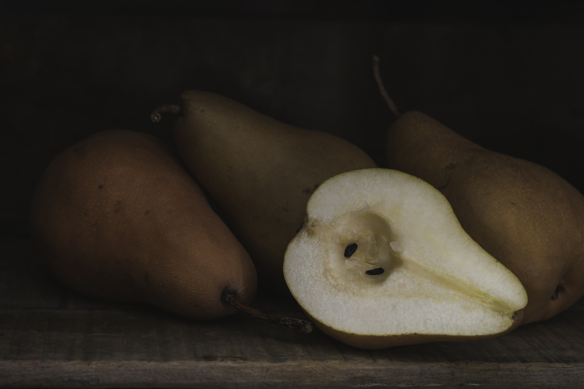 Still Life Pears 8037 (large view)