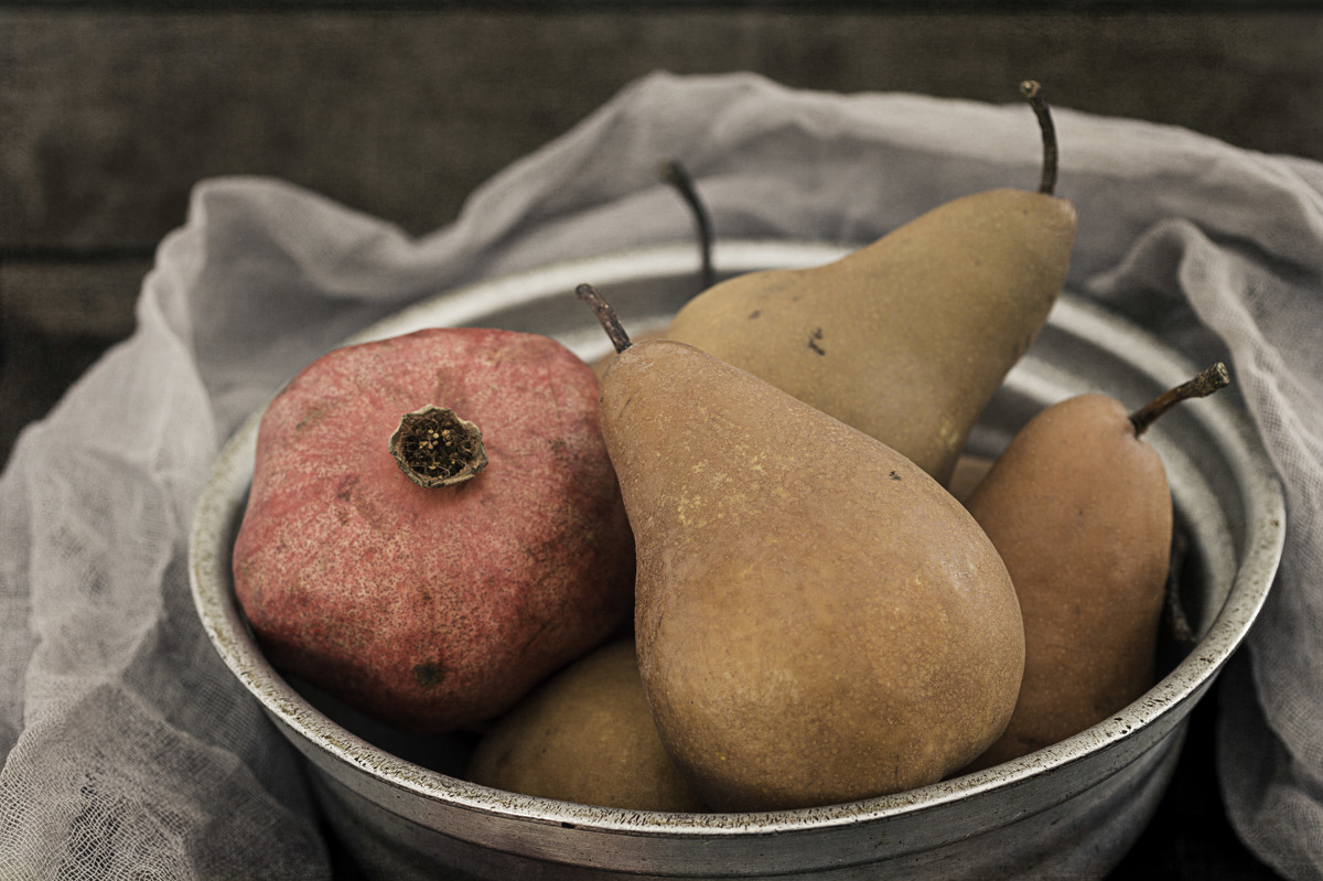 Pomegranate And Pears (large view)
