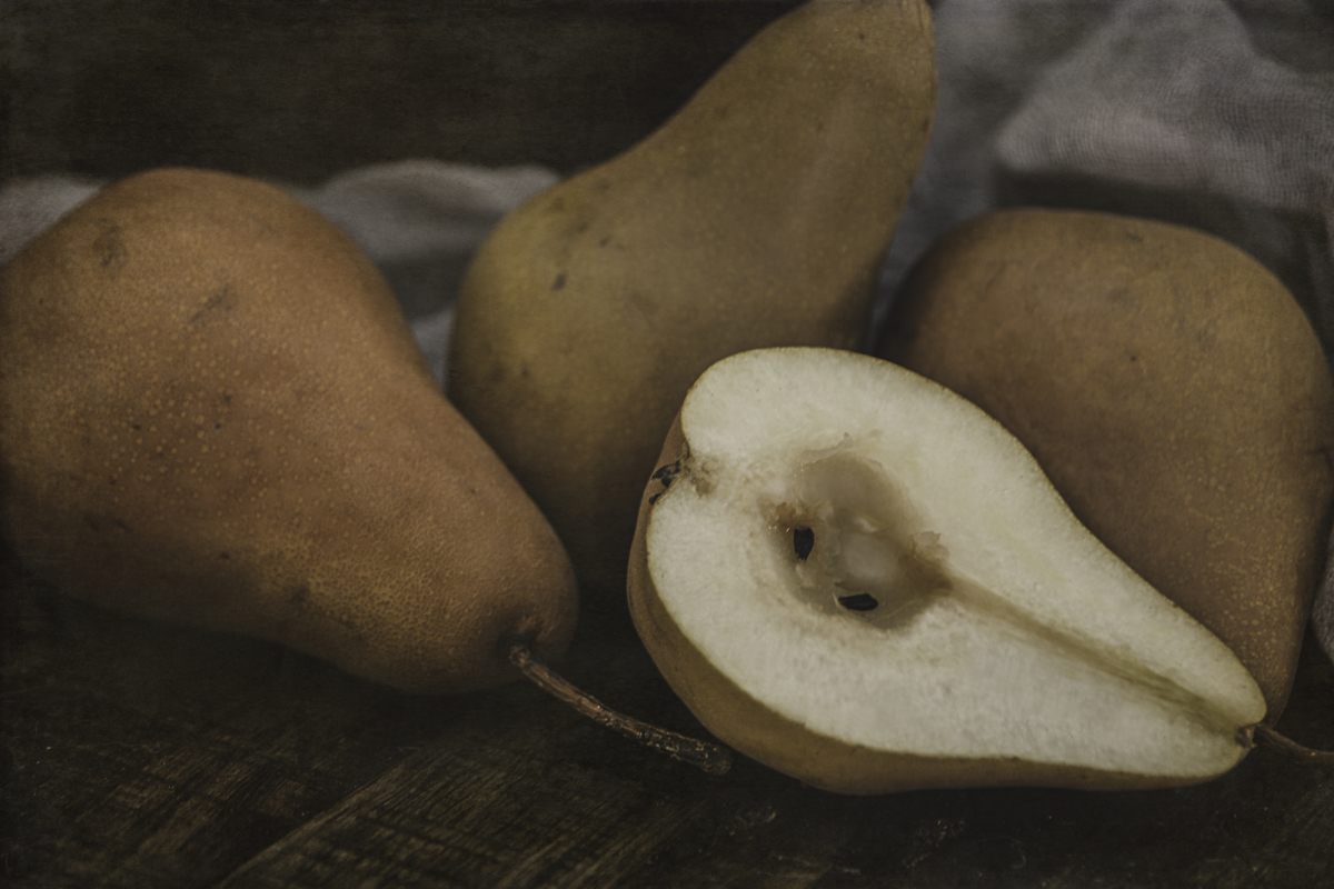 Still Life Pears 8086 (large view)