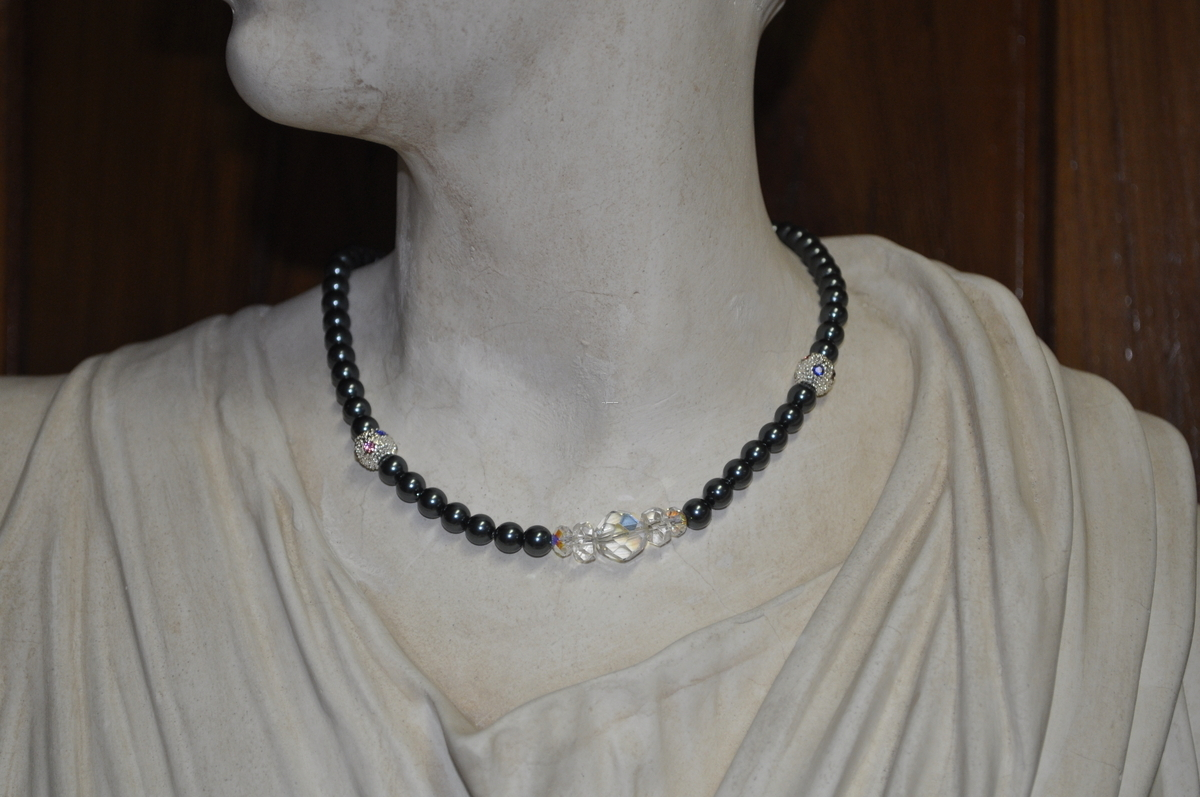 Tahitian Pearl and Crystal necklace (large view)