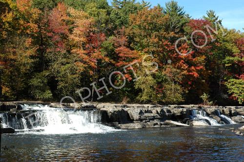 Fall foliage on the Esopus Creek, NY