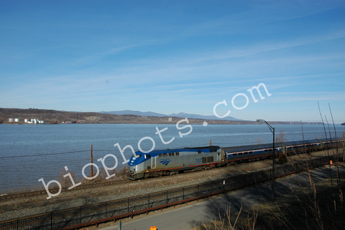 Amtrak Train/Hudson River Line