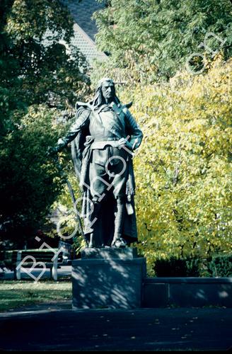Peter Stuyvesant Statue