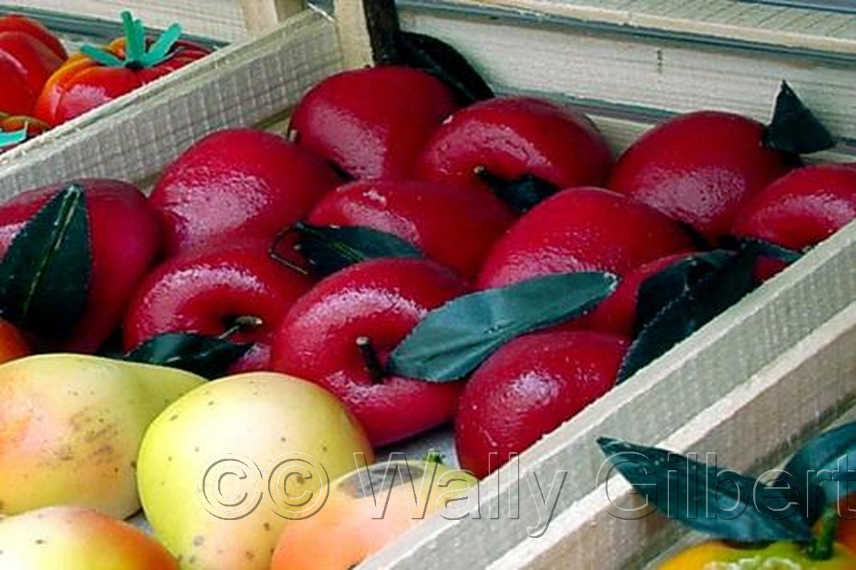 Marzipan Apples - Sicily (large view)