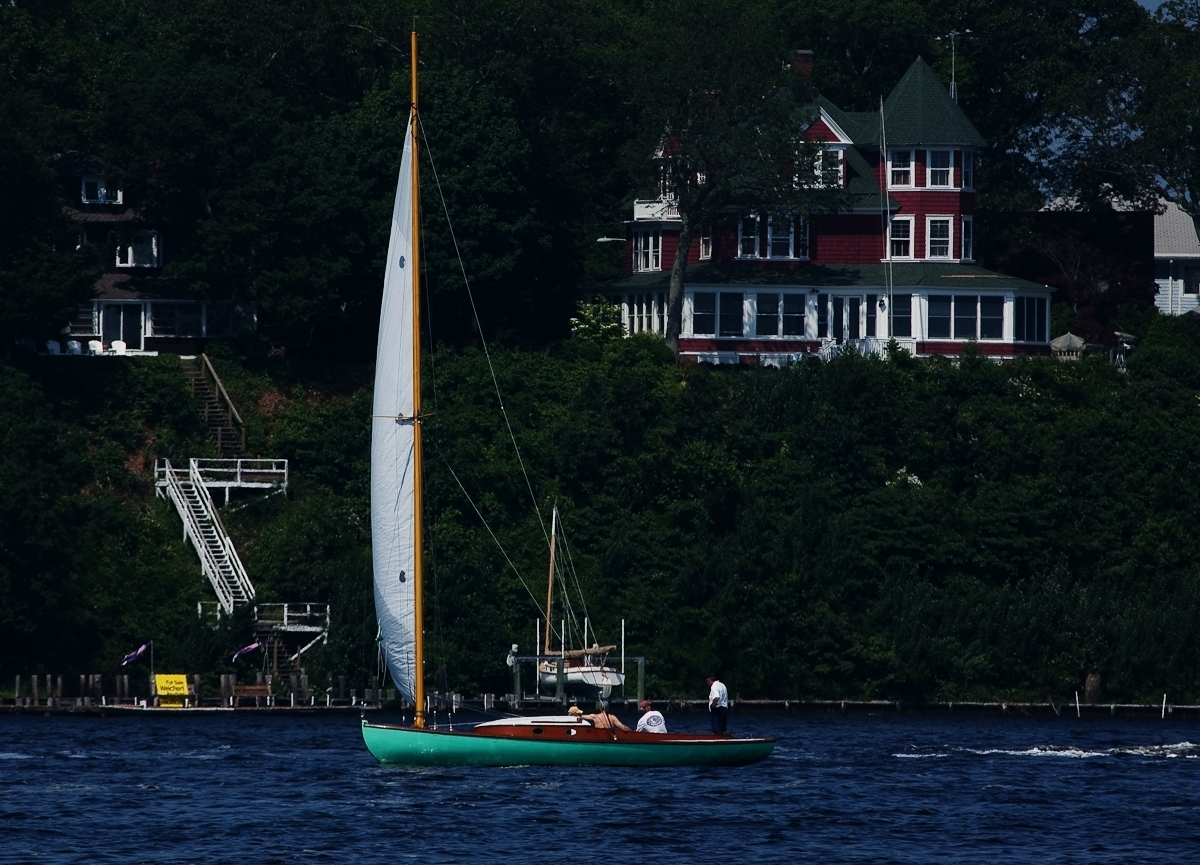 Catboat sailing downwind (large view)