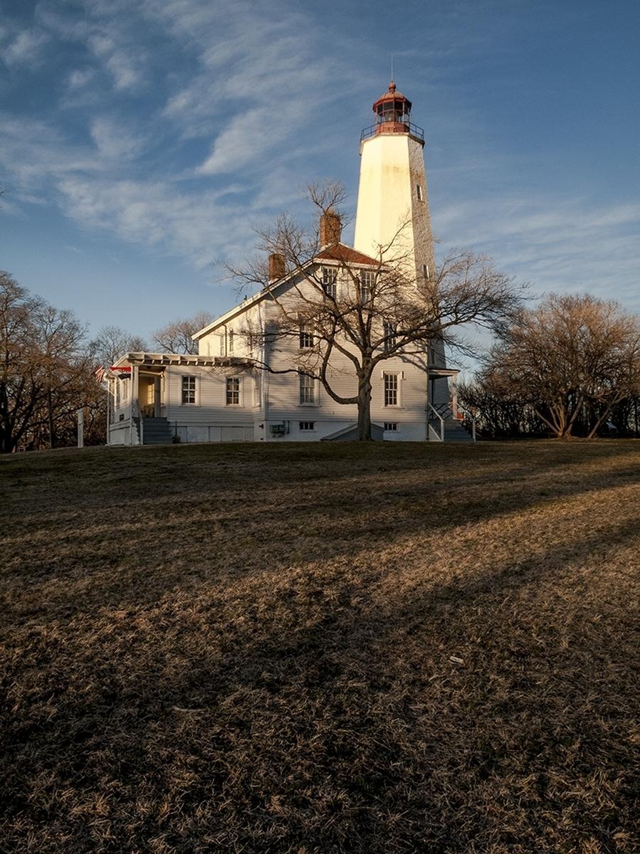 Sandy Hook Light (large view)
