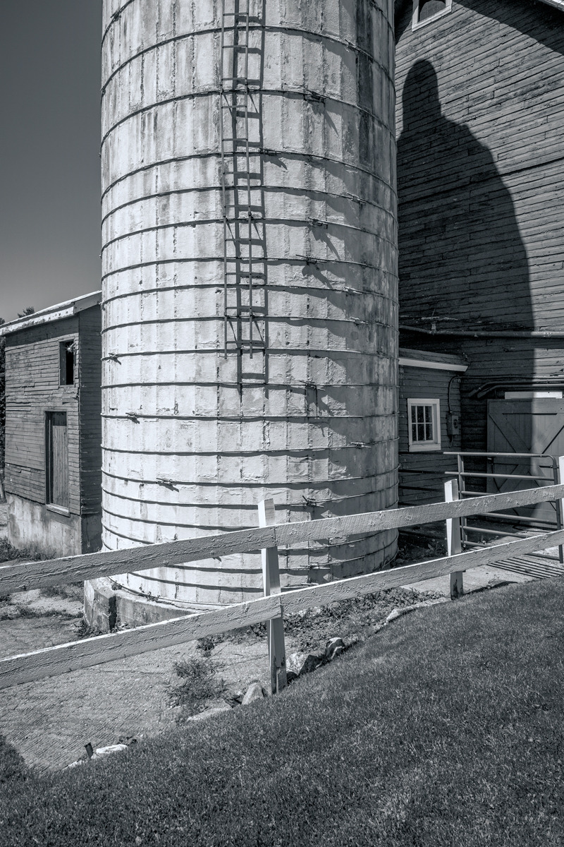 Black & white digital photograph of barn and silo in Vermont (large view)