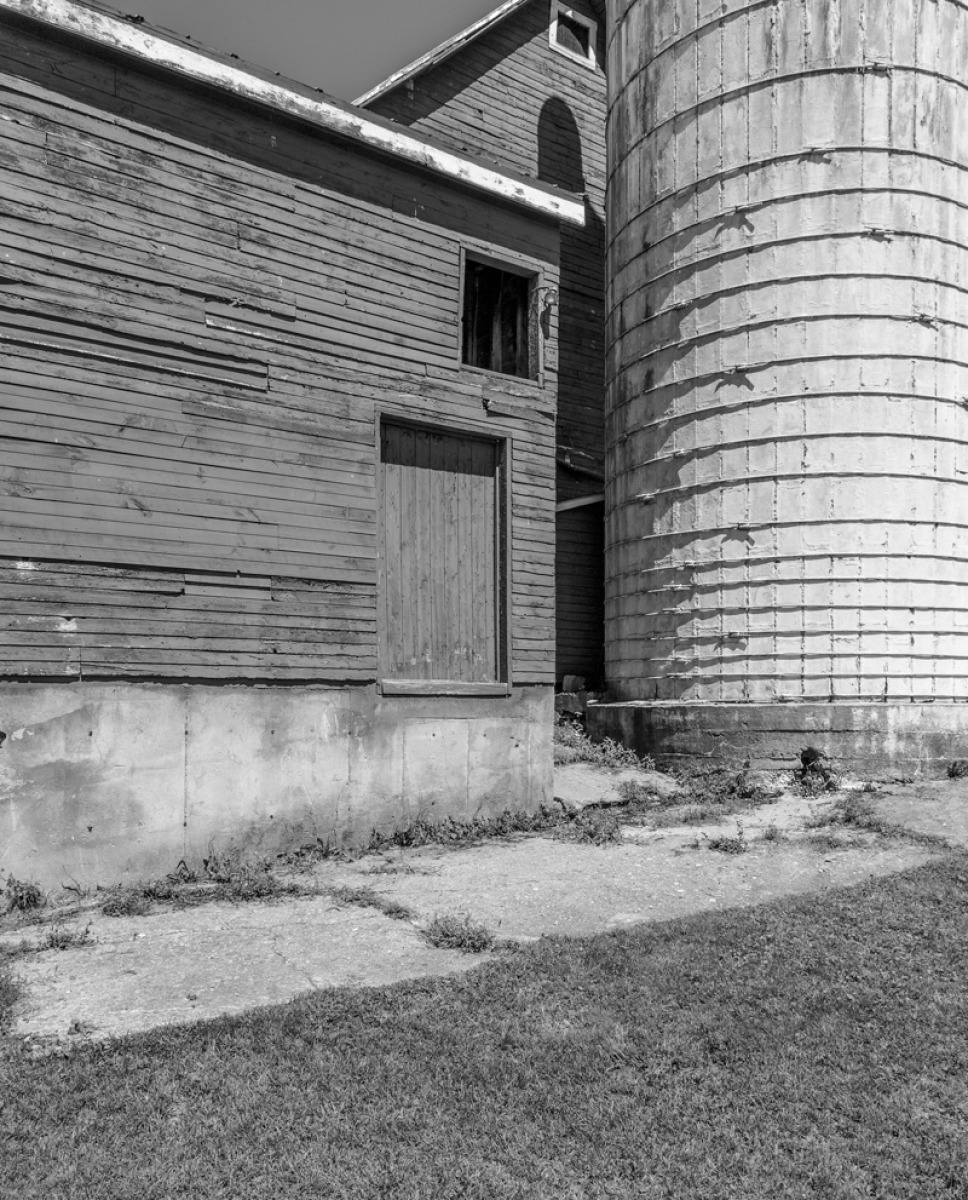 black and white digital photograph of barn and silo in Vermont (large view)