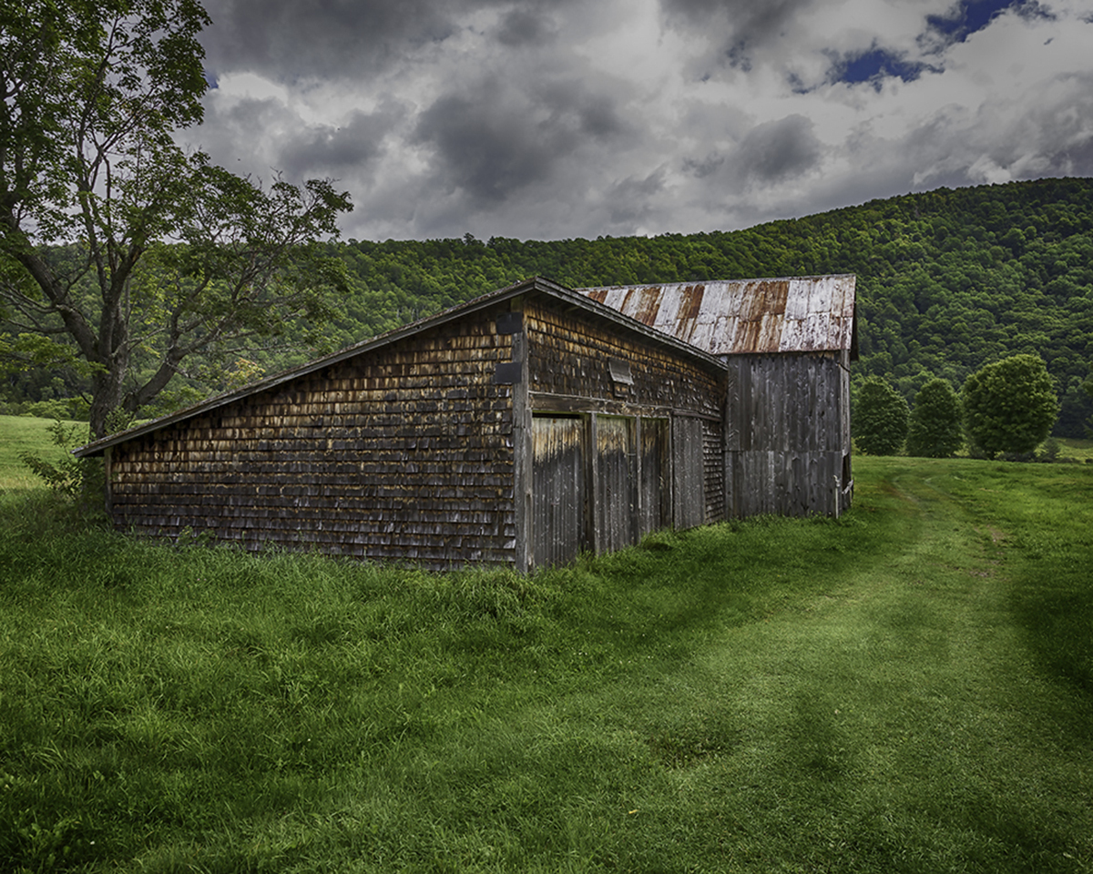 Garages and Barn (large view)